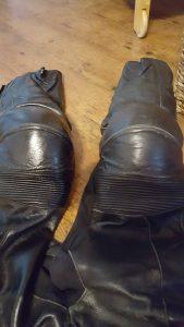 Lederpflege, gefettete Seite und ungefettete Seite