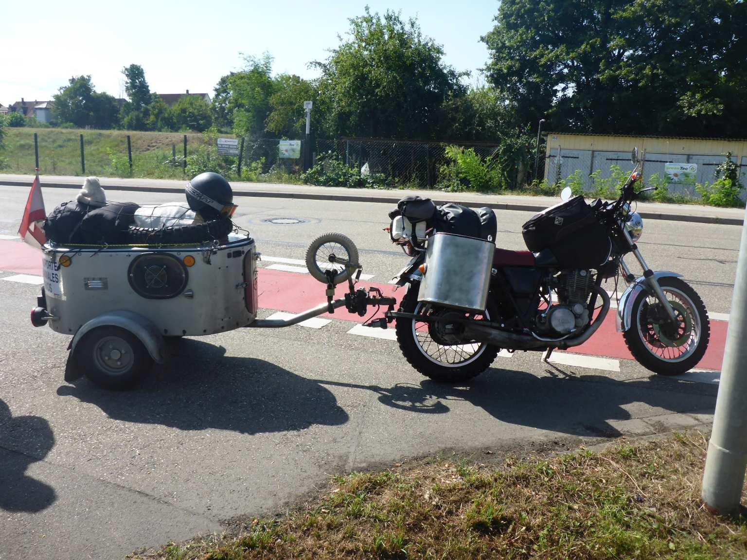 motorradanh nger geht das berhaupt motorrad tour online. Black Bedroom Furniture Sets. Home Design Ideas