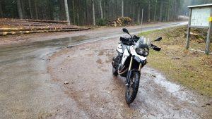 Motorrad im Regen