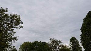 Grauer Himmel