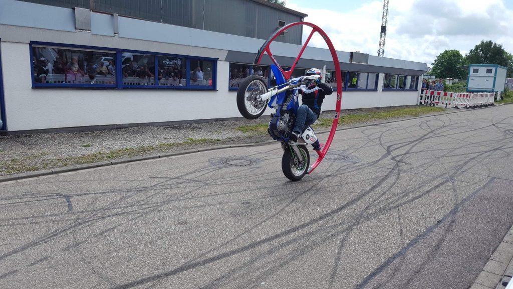 Motorrad mit Dach