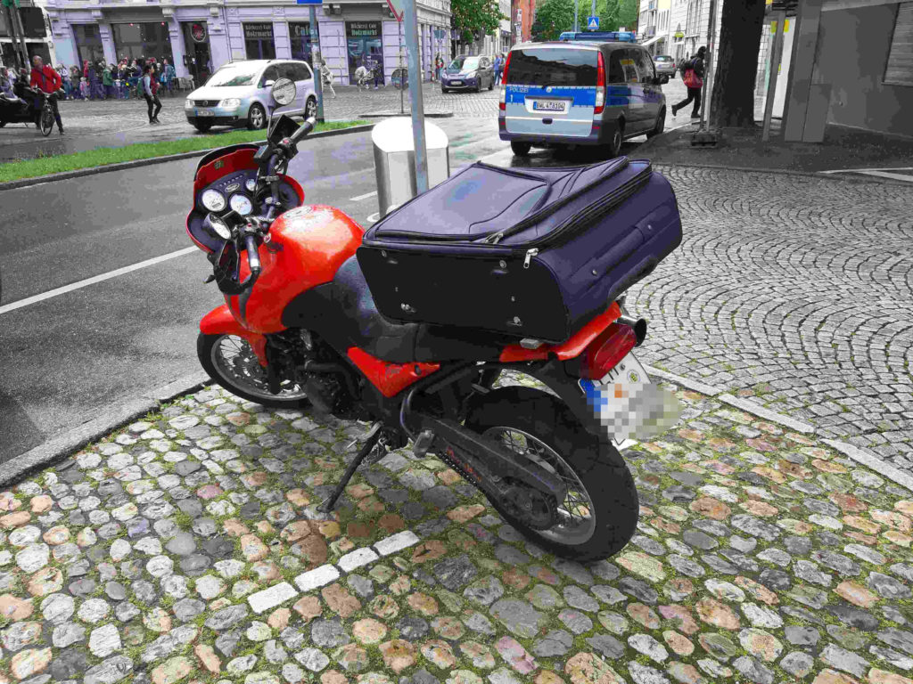 Triumph Tiger mit Trolley