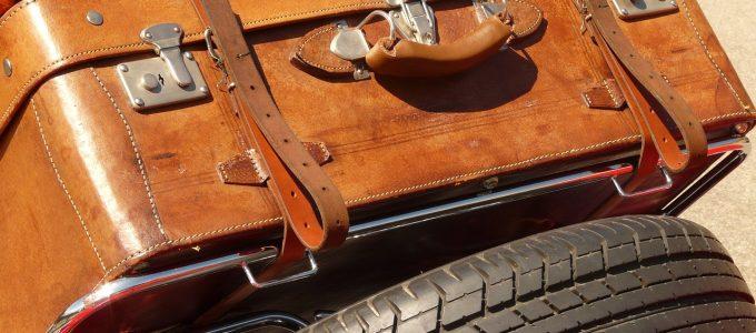 koffer am Fahrzeug