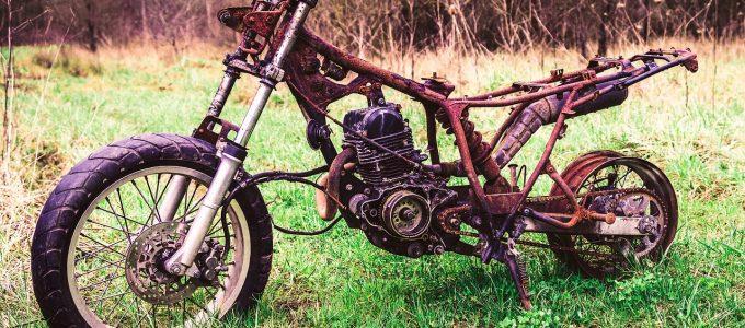 altes Motorrad, rostig